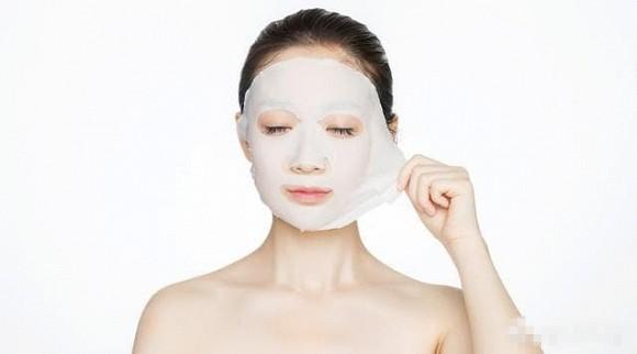 Duy trì những thói quen tốt để da không dễ hình thành nếp nhăn - Hình 1