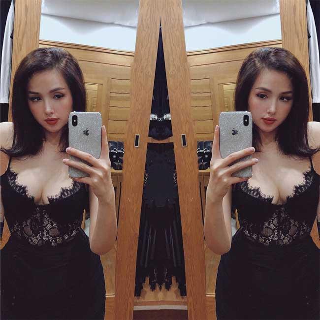 2 đệ nhất hot girl Hà thành một thời mặc thả rông, váy dây tôn nét ngài nở nang - Hình 12