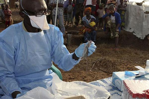Giữa lúc dịch virus corona lan rộng, Nigeria bỗng cảnh báo 1 căn bệnh bí ẩn, khiến 15 người nước này tử vong chỉ sau 48 giờ mắc bệnh - Hình 1