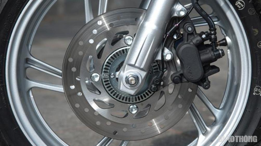Phanh xe máy không ăn và cách khắc phục - Hình 1