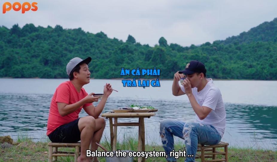 Thánh không cảm xúc Hồ Quang Hiếu trổ tài săn cá cùng Trường Giang giữa đảo hoang - Hình 6