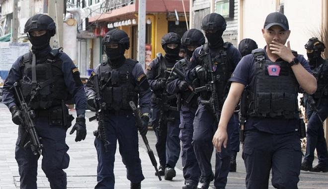 Cảnh sát Thái Lan bắt giữ đối tượng nổ hàng chục phát súng ở trung tâm Bangkok - Hình 1