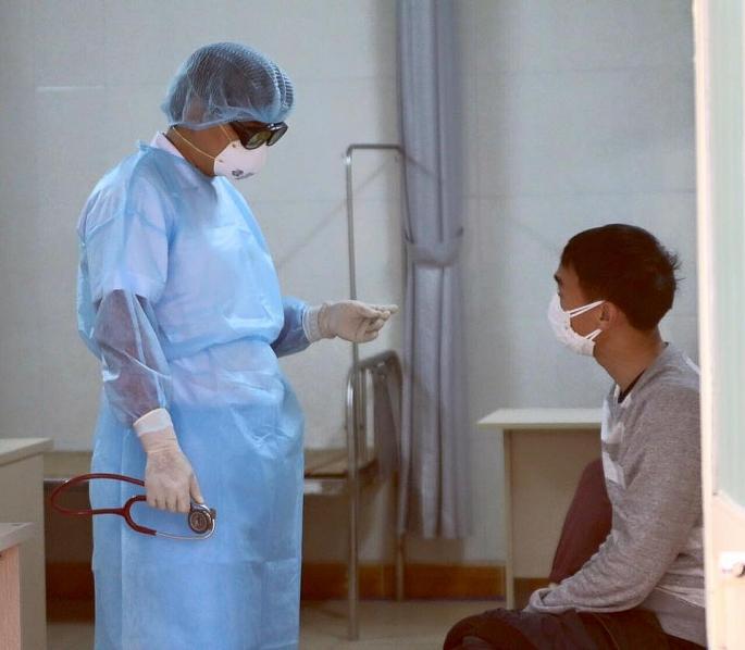 Chủ tịch TP Hà Nội: Những người đi từ Singapore về cũng cần theo dõi sức khỏe - Hình 1