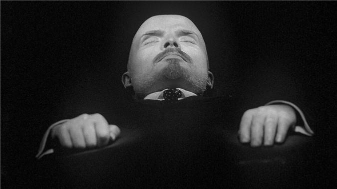 Cuộc sơ tán bí mật thi hài Lenin tới Siberia - Hình 1