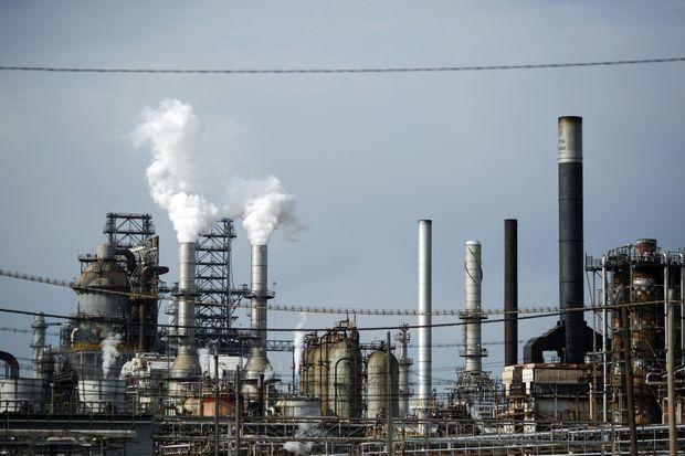 Giá dầu sắp có tuần tăng đầu tiên nhờ kỳ vọng OPEC giảm sâu sản lượng - Hình 1