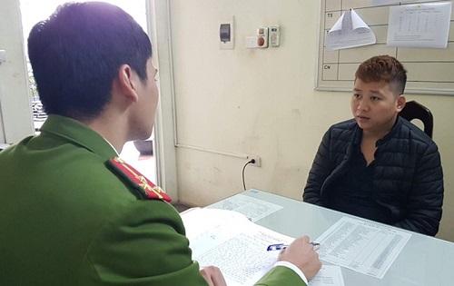 Hà Nội: Tạm giữ hình sự tài xế taxi cướp tài sản của nhiều khách nước ngoài - Hình 1