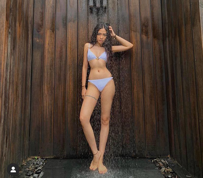 Phát hiện hot girl 9x chân siêu dài, vòng 1 căng tròn với bikini hở bạo - Hình 11