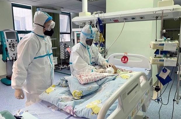 Trung Quốc chi hàng tỷ USD cải thiện điều kiện làm việc của ngành y tế - Hình 1