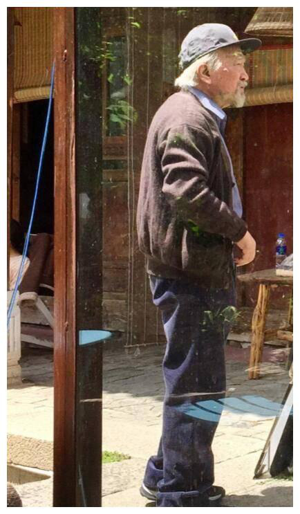 Xót xa trước hình ảnh tóc bạc trắng, già nua không ai nhận ra của Tể tướng Lưu Gù - Hình 1