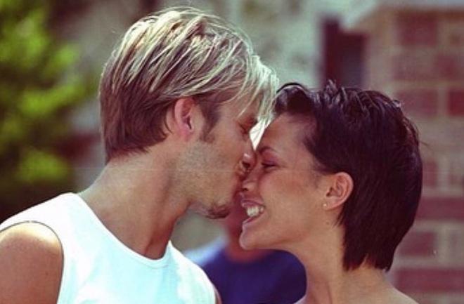 Vợ chồng David Beckham và dàn sao đăng ảnh tình cảm ngày Valentine - Hình 1