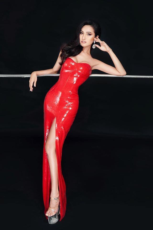 Trước thềm khai chiến, Hoài Sa chơi lớn khi đụng độ Hoàng Thùy hai chiếc váy hụt ở Miss Universe - Hình 2