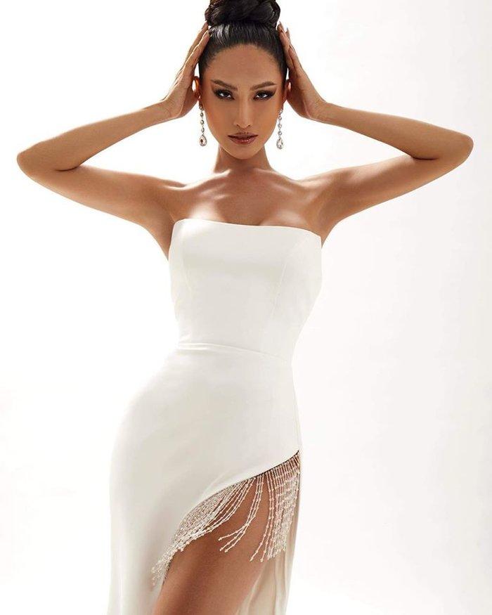 Trước thềm khai chiến, Hoài Sa chơi lớn khi đụng độ Hoàng Thùy hai chiếc váy hụt ở Miss Universe - Hình 5