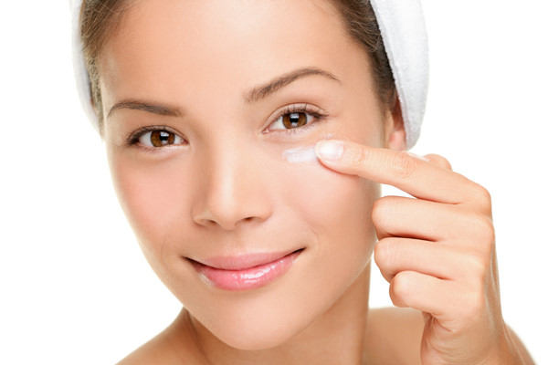 Cách loại bỏ bọng mắt tại nhà dễ hay khó? 2