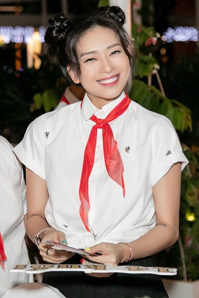 Diện đồ học sinh quẩy sinh nhật Ngô Thanh Vân, Jun Phạm - Xuân Lan bị cô lao công nhắc nhở về lo học đi - Hình 7