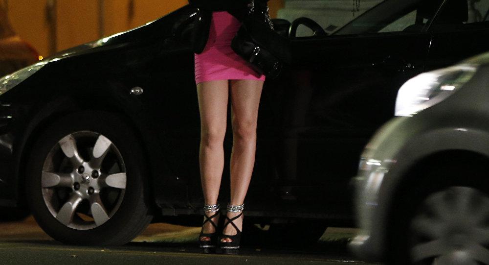 Gái bán dâm điêu đứng thời dịch virus corona ở New Zealand - Hình 1