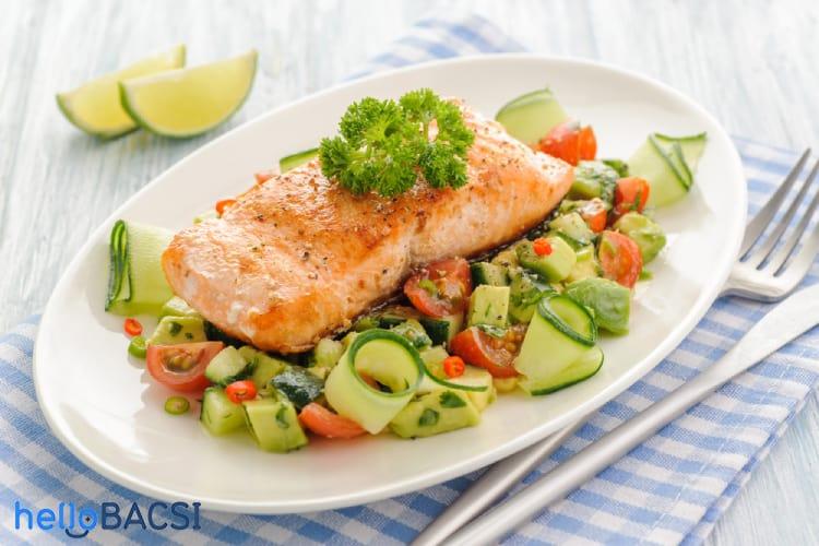 Bà bầu ăn cá hồi: Giá trị dinh dưỡng và lưu ý kèm theo - Hình 1