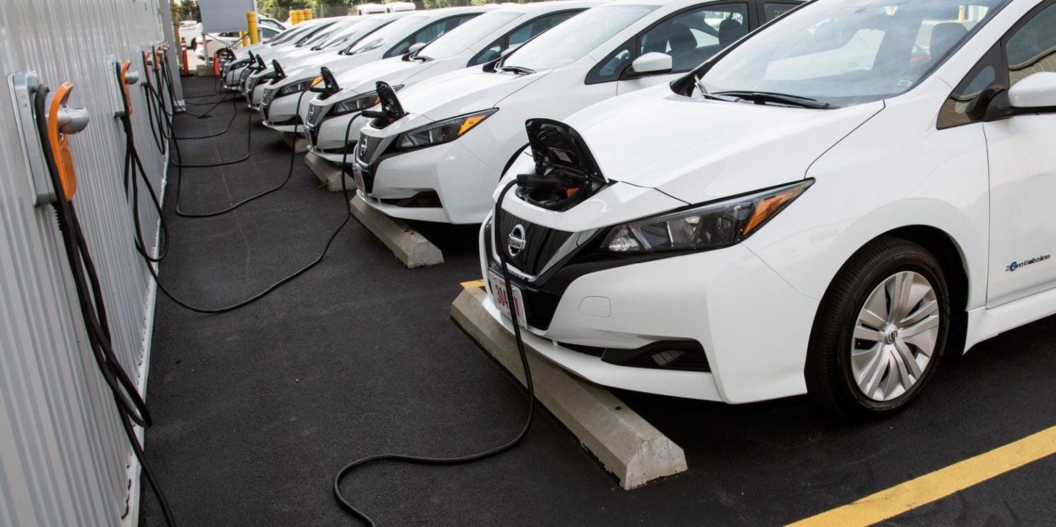 Giấc mơ xe điện: Anh sẽ cấm xe chạy bằng xăng, dầu diesel vào năm 2035 - Hình 1