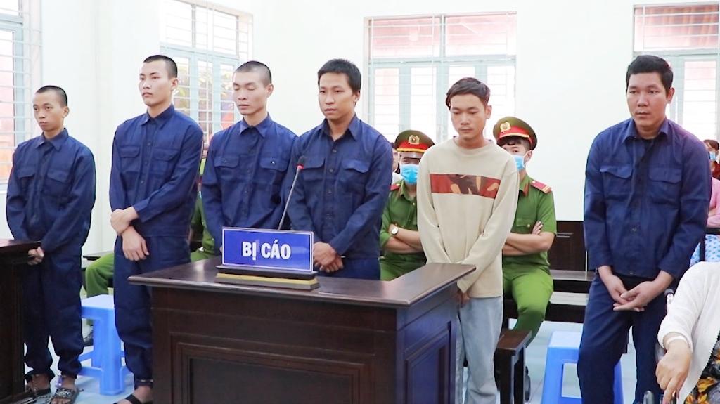 Người đàn ông tổ chức đánh ghen bằng dây xích khiến nạn nhân suýt chết lãnh án - Hình 1