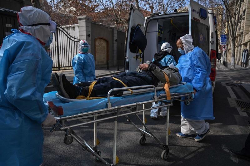 Corona sắp vượt mặt SARS, WHO kêu gọi tăng tốc phát hiện mầm bệnh - Hình 1