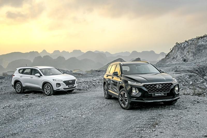 Hyundai Santa Fe giảm 40 triệu, cạnh tranh Toyota Fortuner - Hình 1