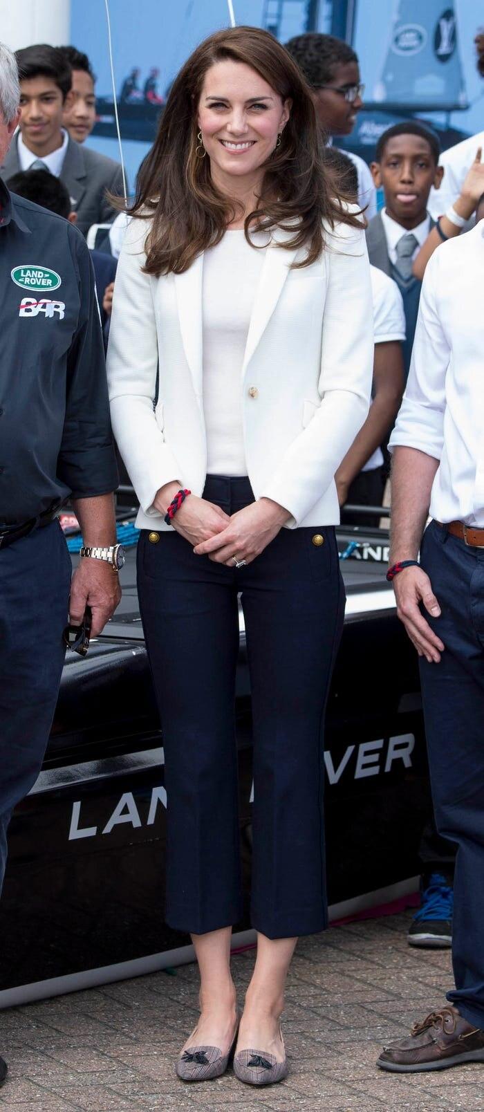 Gia tài triệu đô nhưng vẫn tiết kiệm, công nương Kate là fan trung thành của thời trang bình dân - Hình 15