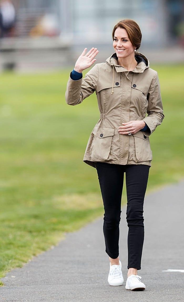Gia tài triệu đô nhưng vẫn tiết kiệm, công nương Kate là fan trung thành của thời trang bình dân - Hình 11