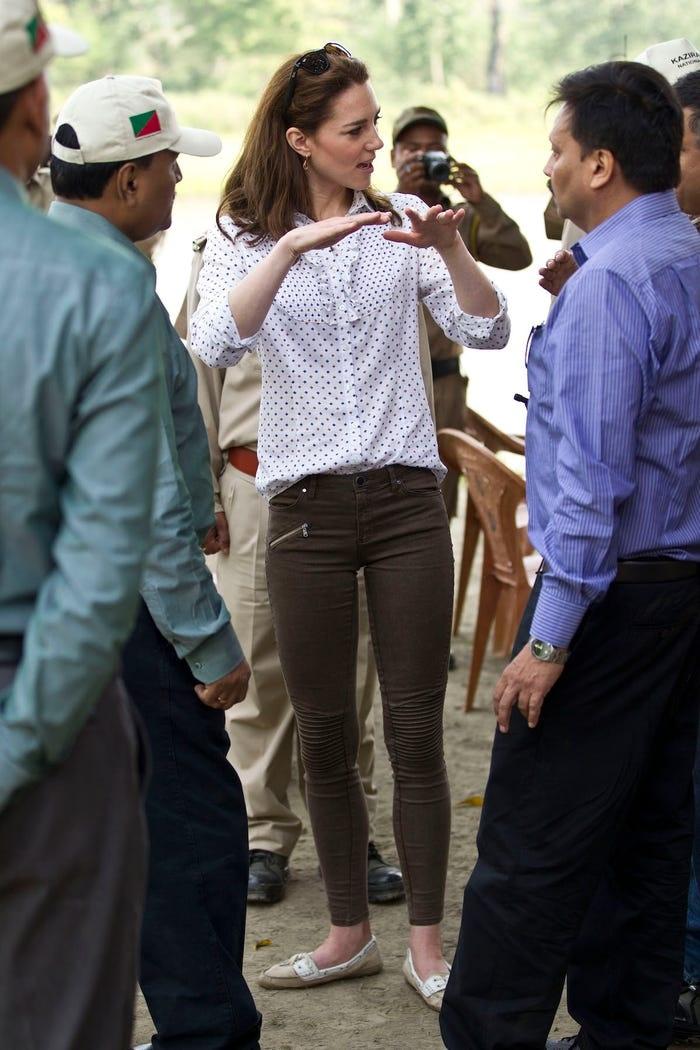 Gia tài triệu đô nhưng vẫn tiết kiệm, công nương Kate là fan trung thành của thời trang bình dân - Hình 8