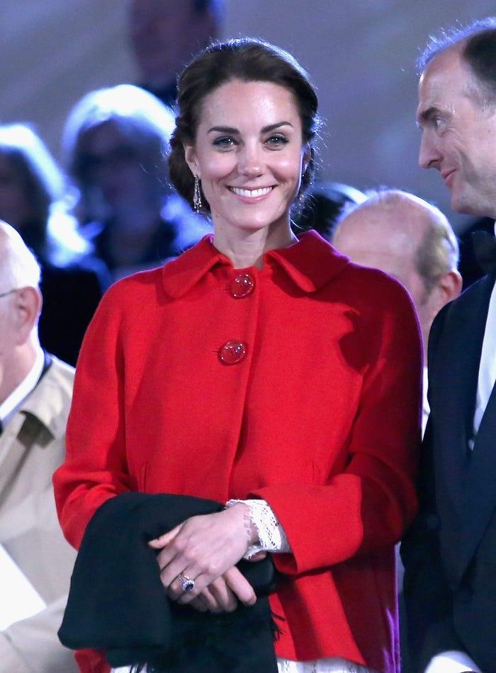 Gia tài triệu đô nhưng vẫn tiết kiệm, công nương Kate là fan trung thành của thời trang bình dân - Hình 9