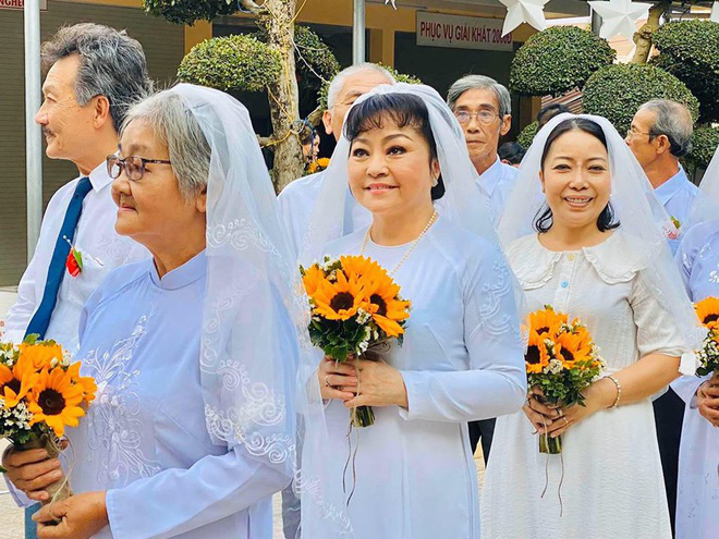 Danh ca Hương Lan từng buồn vì chồng bay bướm, tiết lộ chuyện mẹ chồng nàng dâu - Hình 1