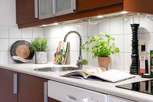 Sai lầm khi đặt bếp trong nhà khiến gia chủ làm mãi vẫn chẳng ngóc đầu lên được - Hình 1