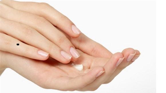 Phụ nữ sở hữu nốt ruồi trên những ngón tay này, chắc chắn có vận đào hoa và may mắn hơn người - Hình 5