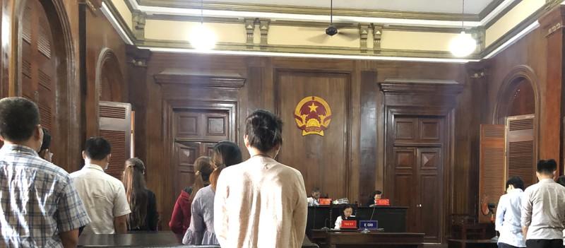 Chủ, nhân viên và cả khách chơi game cùng hầu tòa - Hình 1