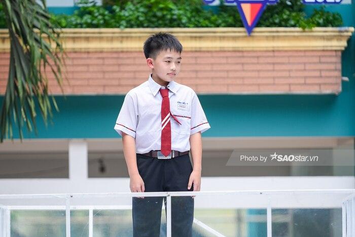 Gil Lê cười ngất vì cậu bé lớp 6 ghen ra mặt: Chơi thân với lớp phó, ông có hạnh phúc không? - Hình 1