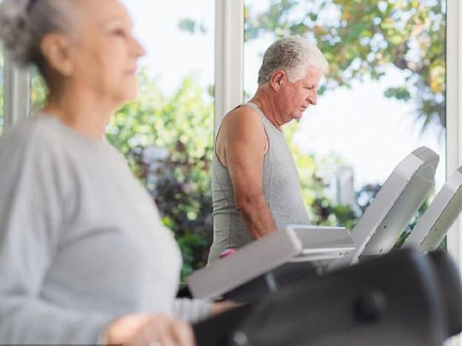 Tuổi 50 khi tập thể dục cần chú ý những gì? - Hình 1