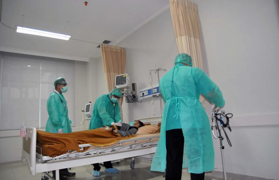 6 bác sĩ Indonesia tử vong do COVID-19 - Hình 1