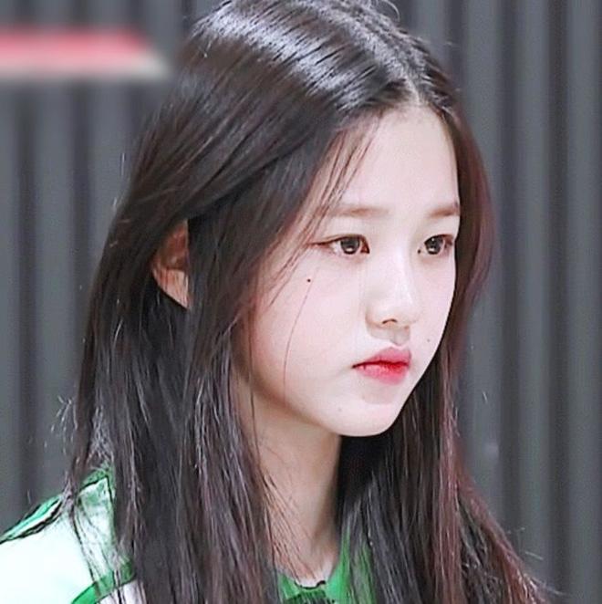 6 idol Kpop sở hữu nốt ruồi hoàng kim: Tưởng dìm nhan sắc nhưng lại giúp upgrade khí chất bất ngờ, lại còn sexy lạ - Hình 1