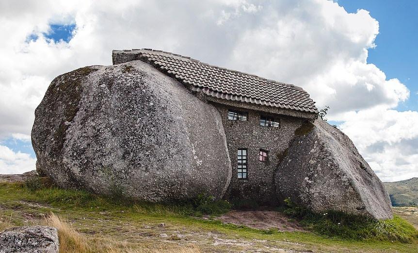 7 tòa nhà tạc từ đá ngoạn mục nhất thế giới - Hình 1