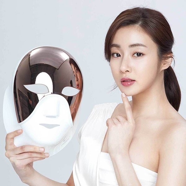 Mặt nạ đèn Led: Liệu pháp dưỡng da hoàn hảo được giới trẻ Hàn phát cuồng, sao Việt thích mê - Hình 1