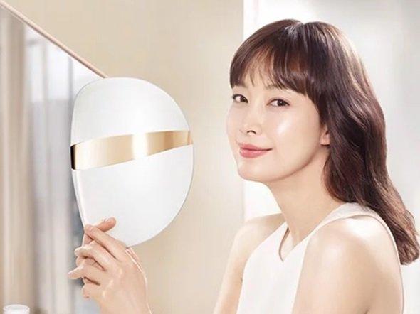 Mặt nạ đèn Led: Liệu pháp dưỡng da hoàn hảo được giới trẻ Hàn phát cuồng, sao Việt thích mê - Hình 2