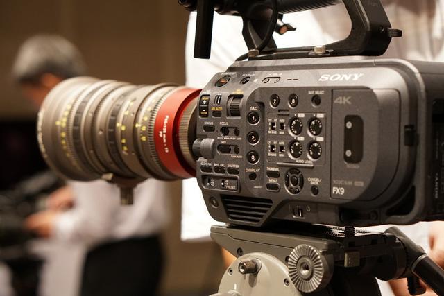 Làm phim dễ dàng với máy quay Sony PXW-FX9 đạt chuẩn cận máy quay điện ảnh - Hình 1