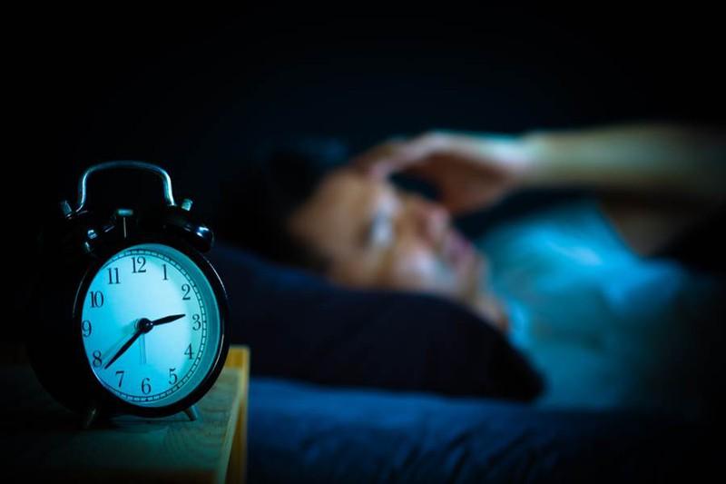 Mất ngủ suốt 10 ngày mới chịu đi khám, nam sinh phát hiện chuyện kinh dị - Hình 1