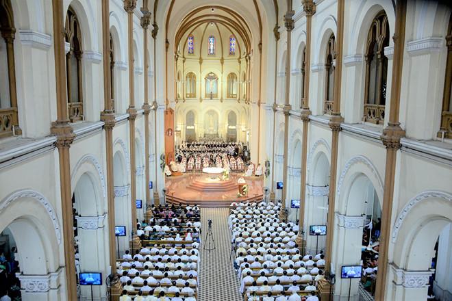Ngưng cử hành Thánh lễ và nhiều sinh hoạt tôn giáo toàn Tổng giáo phận Sài Gòn - Hình 1