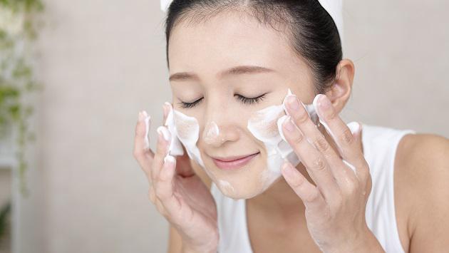 Nguyên tắc khi rửa mặt để có làn da đẹp - Hình 1