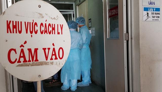 TPHCM: Hơn 10 nghìn người đang phải cách ly vì dịch Covid-19 - Hình 1