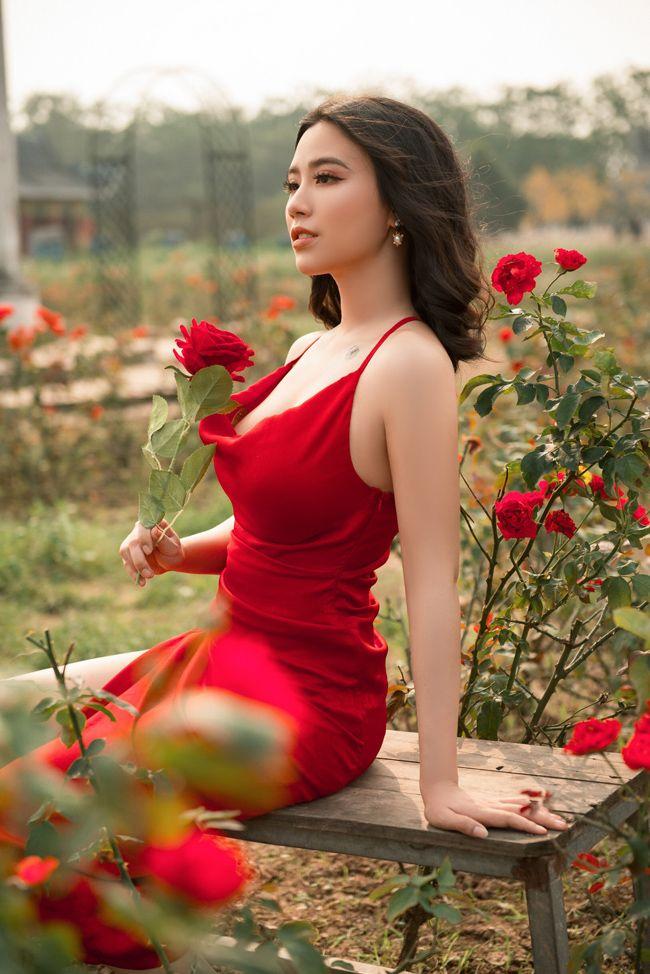 Style đời thường quyến rũ bội phần của hot girl Kem Xôi và 3 sơn nữ tắm suối - Hình 19