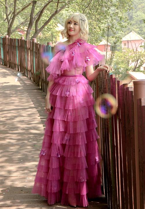 Dàn mỹ nhân diện váy công chúa - Hình 3
