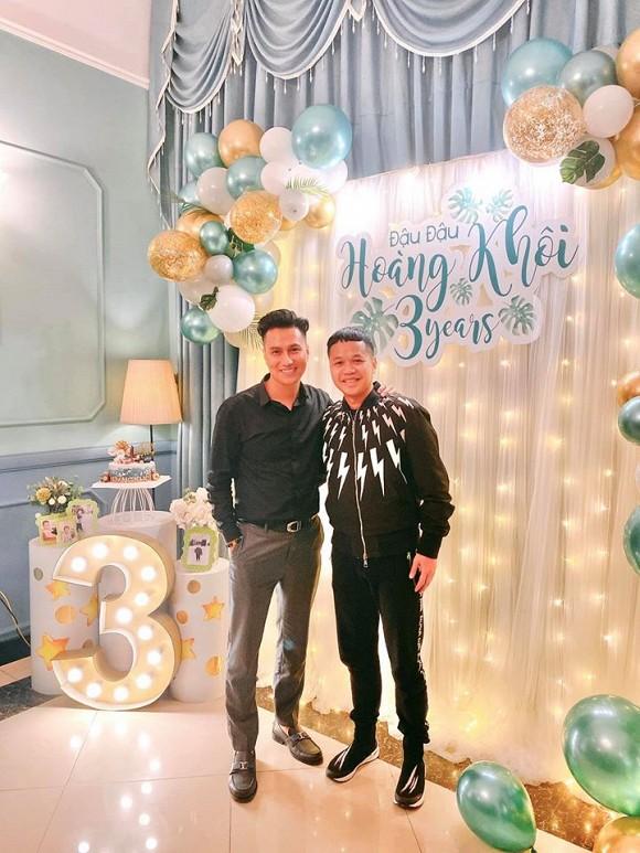 Diễn viên Việt Anh và vợ cũ cùng nhau tổ chức sinh nhật cho con trai - Hình 4