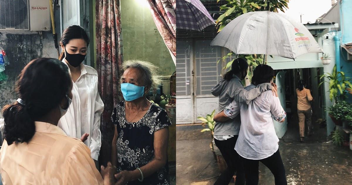 Hoa hậu Khánh Vân gây xúc động khi cùng mẹ ruột đội mưa tặng 200 phần quà cho người dân - Hình 8