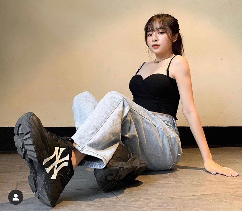 Mới sinh năm 2001, hot girl thế hệ mới đã sở hữu vòng một đẹp hơn cả Hoa hậu - Hình 13