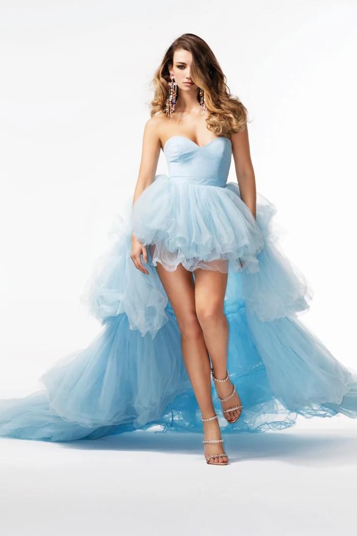 Người mẫu 1m80 Lorena Rae mặc váy áo mỏng tang có như không - Hình 5